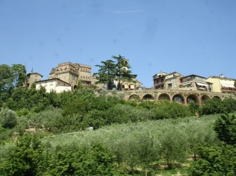 Eski şehrin aşağıdan görünüşü