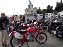 Eski motorsiklet sergisi
