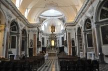 Kilise iç mekanı