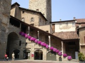 Piazza Vecchia meydanı
