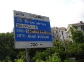 Salerno çıkışında yol levhası