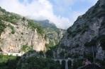 Sarp kayalık arazi