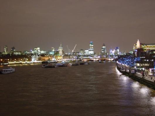 Gece Londra ve Thames