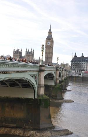 Westminster Köprüsü ve Londra saat kulesi