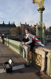 Westminster köprüsünde gaydacı