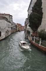 Asfalt değil su sokaklar