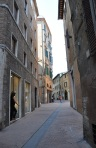 Eski binalar ve sokak