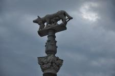 Romulus ve Remus heykeli