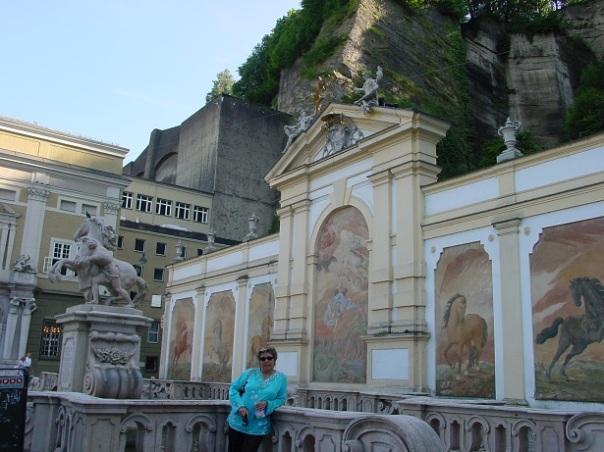 Salzburg Leopold Anıtı
