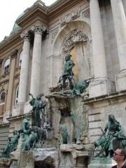 Buda Sarayında bir başka anıt