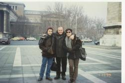 Art Gallery önünde,Budapeste, 1999