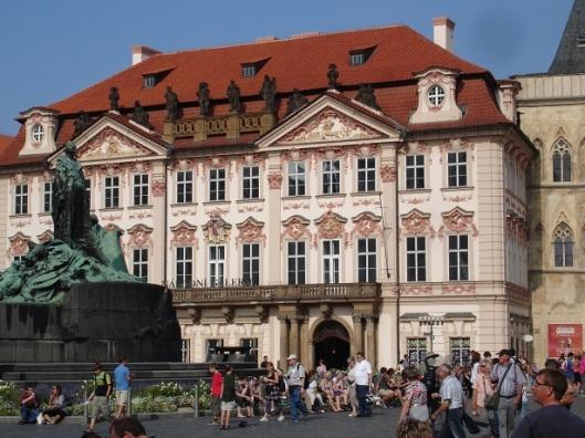 Golz-Kinsky Sarayı