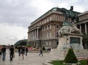 Saray ve Prens Eugene heykeli