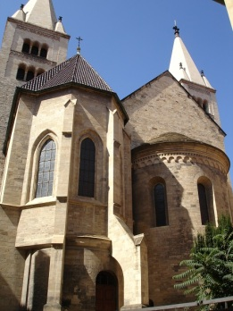 St. George Bazilikası arka cephesi