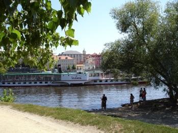 Vltava nehrinde tekne turu