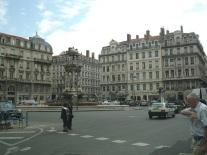 Şehir merkez meydanlarından biri