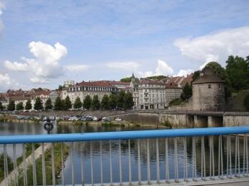 Doubs nehri ve eski şehir
