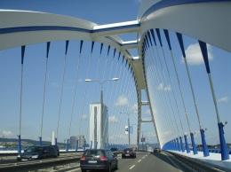 Tuna nehri üzerinde modern köprü