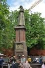 Parkta bir başka heykel
