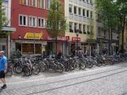 Freiburg'ta bisikletçi