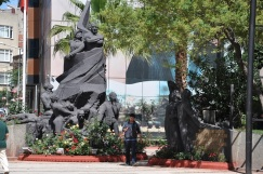 Erdek'te Atatürk heykeli