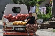 Narlı'da seyyar satıcı