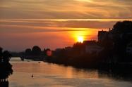 Eski köprüden günbatımı