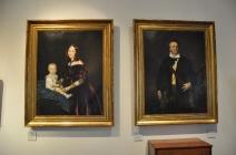 Müzede kentin yöneticilerinin tabloları