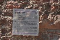 Beyaz kule tanıtım plaketi