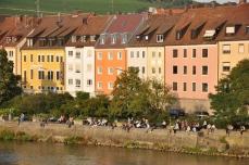 Eski şehrin Main kenarı