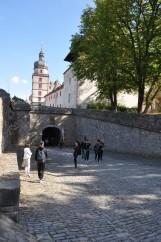 Kale giriş yolu