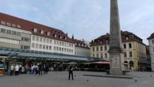 Marktplatz ve dikilitaş