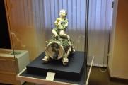Kale müzesinde seramik bir figür