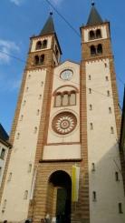 St. Kilian Katedrali ön cephesi