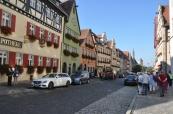 Ana caddelerden biri