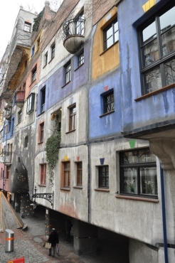 Hundertwasser binaları
