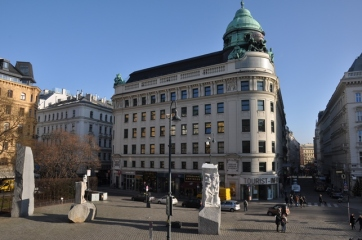Albertina müzesi önü