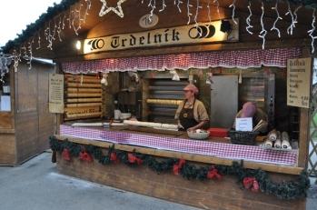 Noel pazarında gıda sergilerinden birisi