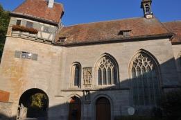 Kent kapısına biişik kilise