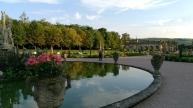 Saray bahçesindeki havuz