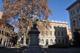 Piazza Minghetti