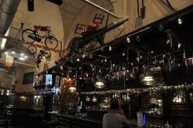 Irish pub'ın içi