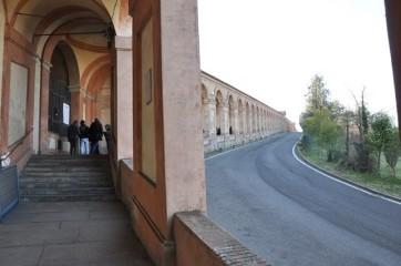 Madonna tapınağına çıkan yol