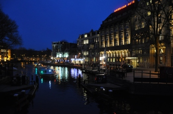 Gece kanal görüntüsü