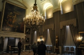 Bir başka saray salonu