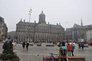 Kraliyet Sarayı ve Dam meydanı