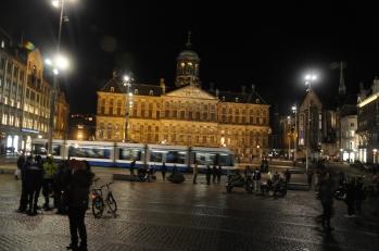 Kraliyet Sarayı gece görüntüsü