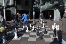 sokakta satranç oyunu