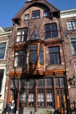 Bakımlı eski bina örneği