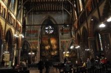 Yeni kilisenin içi